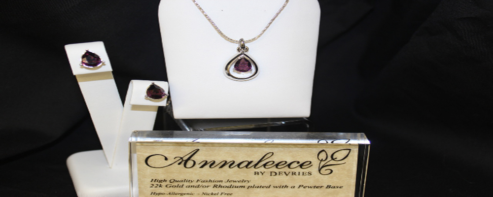 Purple-Jewel-Necklace